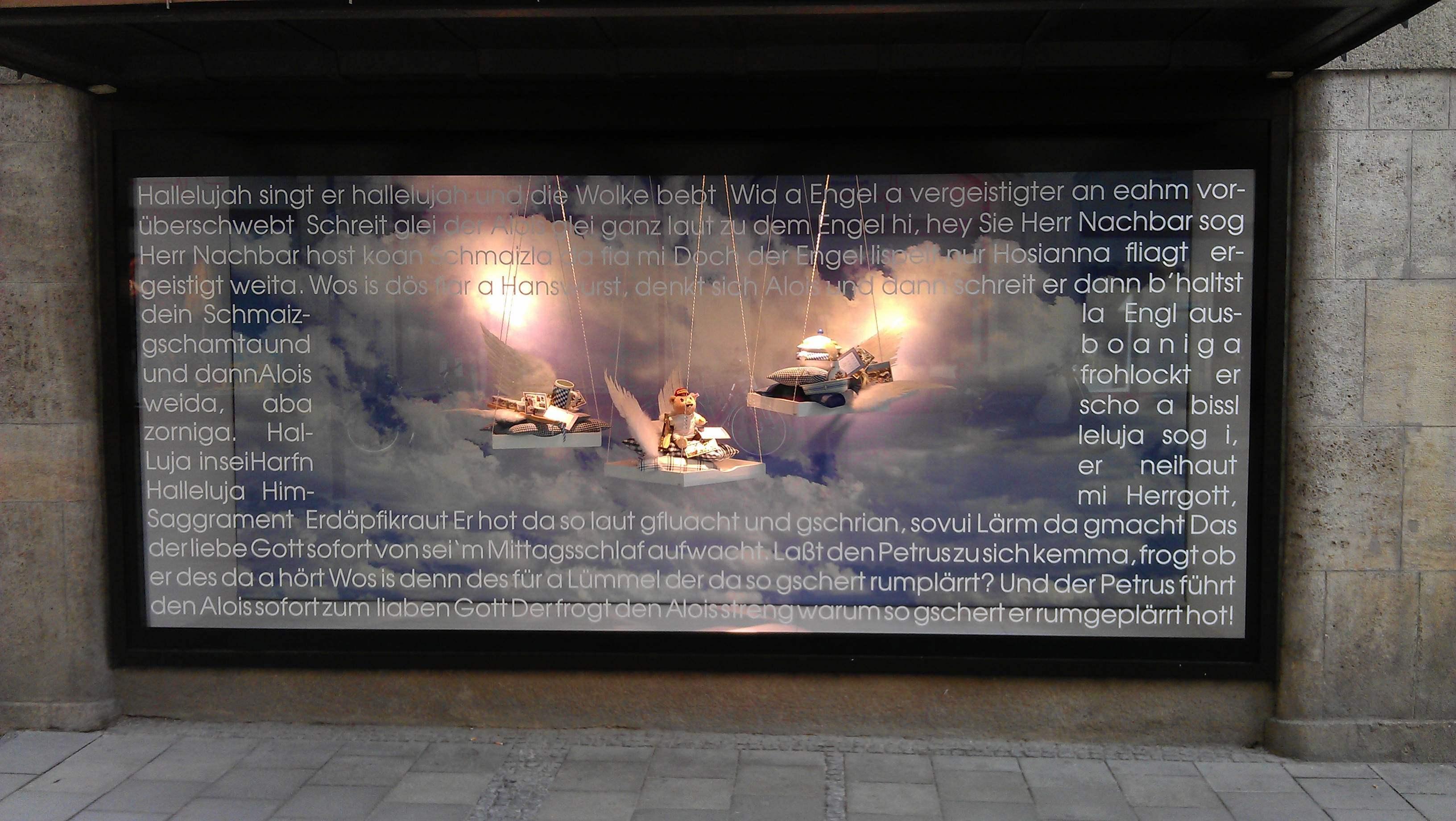 schaufenster-beklebung-muenchen-folie-beschriftung